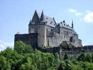 vianden-castle-in-luxembourg_700_0